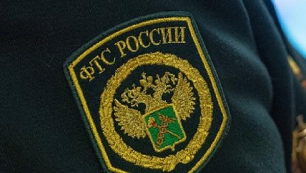 Российский таможенник попался с 11 миллионами рублей