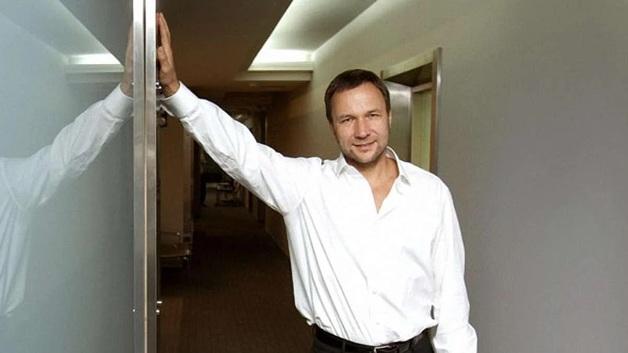 СМИ: Херсонскую нефтеперевалку купили спонсоры Зеленского